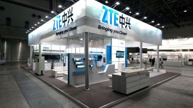 zte-stand_cropped